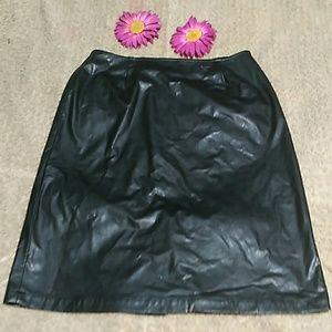 AVON Black Career Skirt Size 12